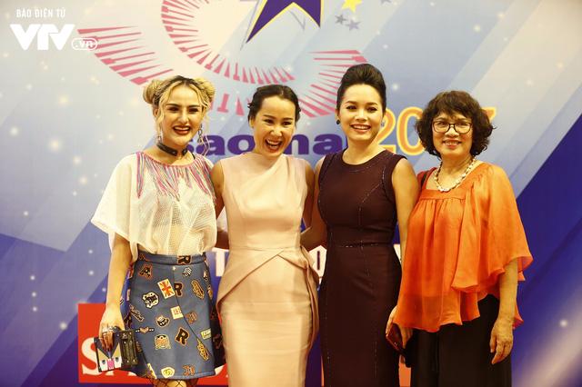 Dàn sao mai tay bắt mặt mừng hội ngộ tại Gala 20 năm - Ảnh 6.
