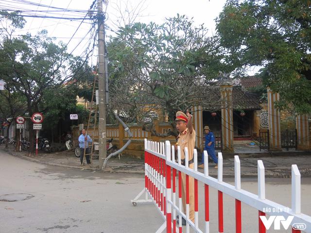 Bảo đảm an ninh cho đoàn phu nhân/phu quân APEC tham quan Hội An - Ảnh 3.