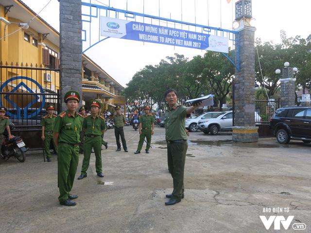 Bảo đảm an ninh cho đoàn phu nhân/phu quân APEC tham quan Hội An - Ảnh 2.