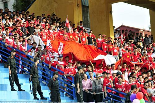 BTC sân Cần Thơ tăng cường an ninh trước trận gặp CLB Hải Phòng - Ảnh 2.