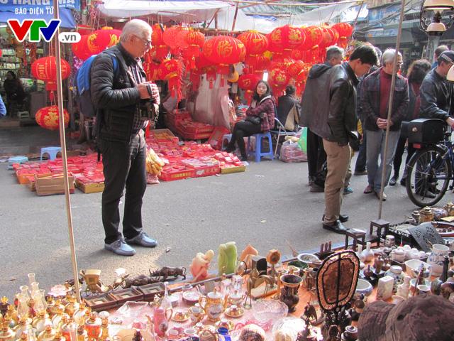 Đi chợ đồ cổ Hàng Lược những ngày giáp Tết Đinh Dậu - Ảnh 6.