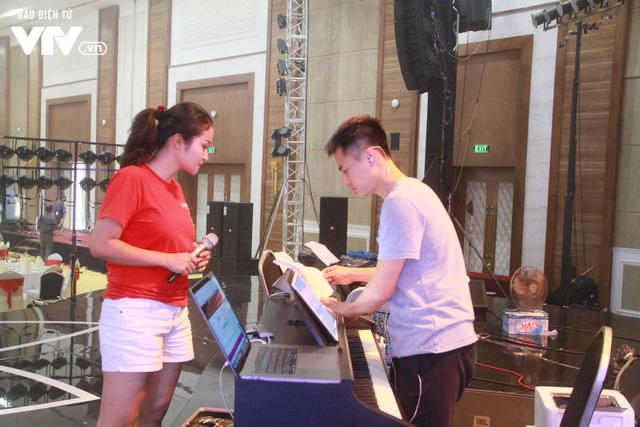 Sao Mai 2017: NS Dương Cầm hài lòng với 10 thí sinh phong cách nhạc nhẹ - Ảnh 1.