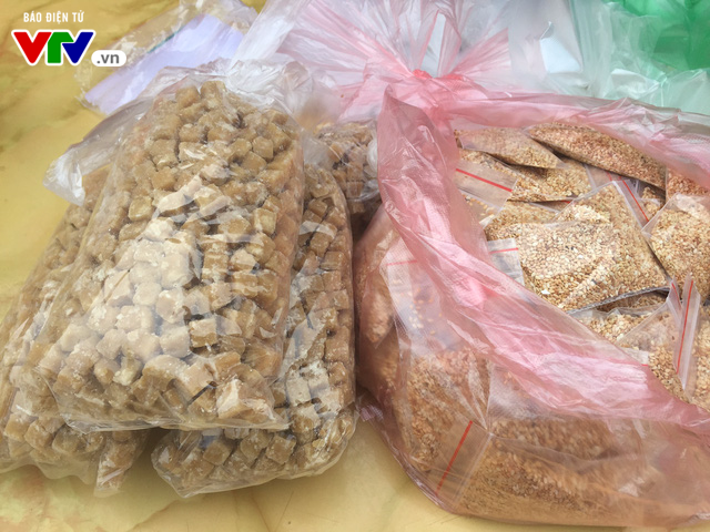 Bánh trôi, bánh chay cháy hàng ngày Tết Hàn thực - Ảnh 2.