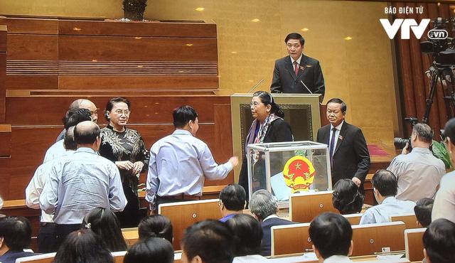 Quốc hội phê chuẩn miễn nhiệm Bộ trưởng GTVT, Tổng Thanh tra - Ảnh 2.