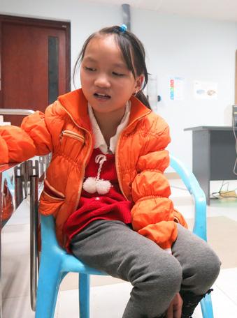 Cô bé mắc bệnh tim bẩm sinh ước mơ trở thành bác sĩ cứu người - Ảnh 3.