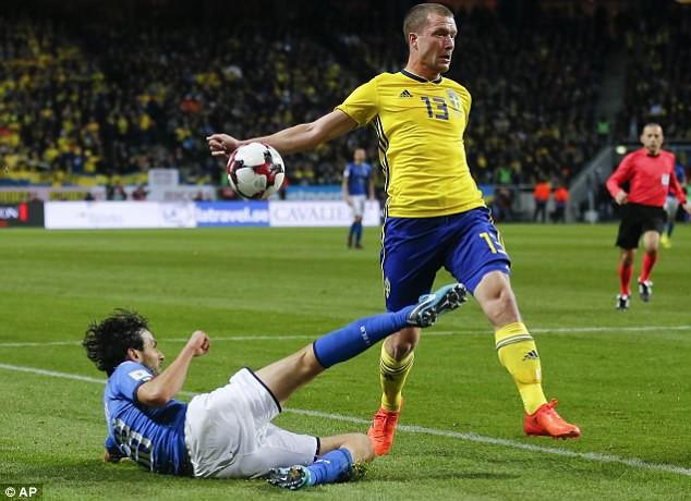 Kết quả bóng đá sáng 11/11: Thua Thụy Điển, Italia có nguy cơ ngồi nhà xem World Cup - Ảnh 2.