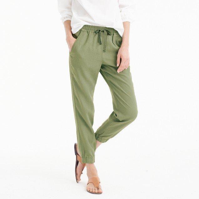 Tạm quên quần jeans đi, đây mới là những xu hướng đang lên ngôi - Ảnh 10.