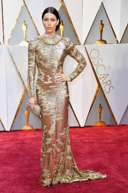 Cuộc chiến trang phục thảm đỏ tại Oscar - Ảnh 1.