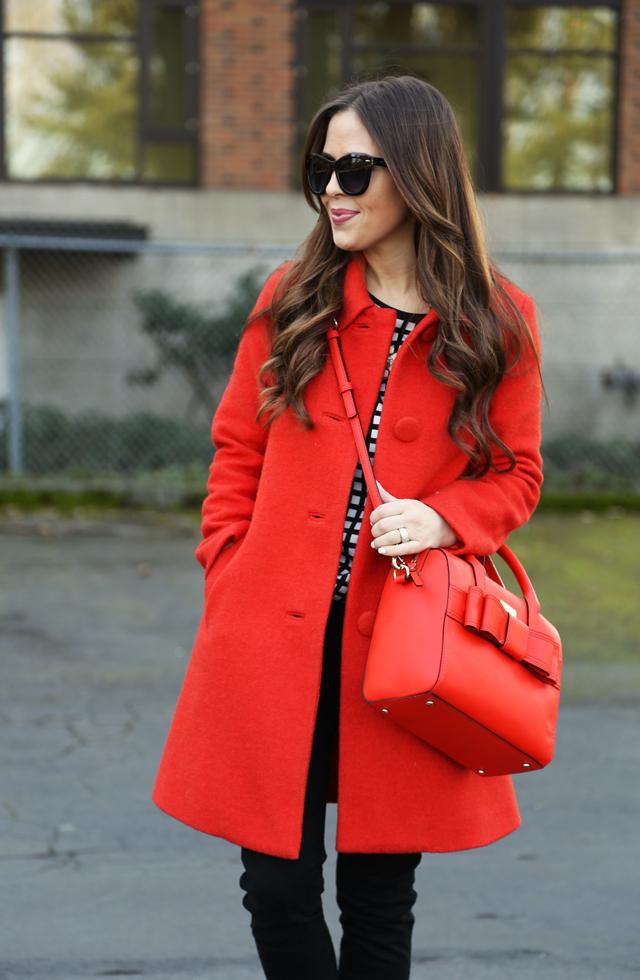 Gam màu đỏ nổi bật cho trang phục ngày Tết - Ảnh 7.