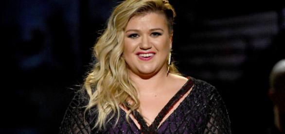 Cựu Quán quân American Idol xác nhận ngồi ghế nóng The Voice - Ảnh 2.
