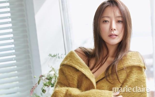 Vẻ trẻ đẹp khó tin của Kim Hee Sun ở tuổi U40 - Ảnh 6.