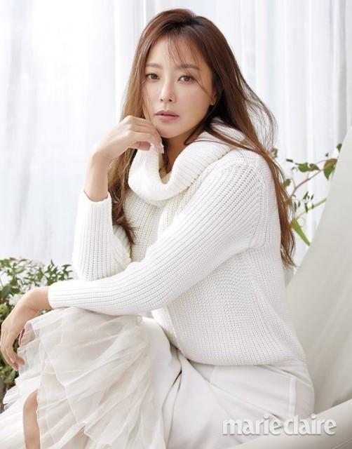Vẻ trẻ đẹp khó tin của Kim Hee Sun ở tuổi U40 - Ảnh 5.