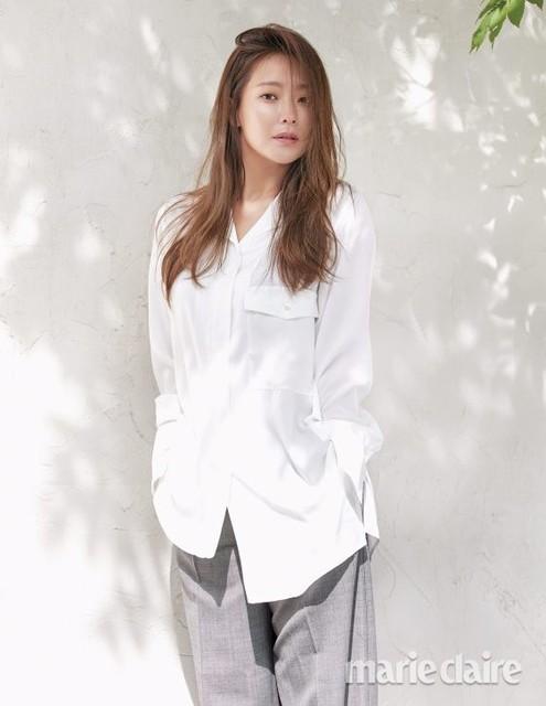 Vẻ trẻ đẹp khó tin của Kim Hee Sun ở tuổi U40 - Ảnh 4.