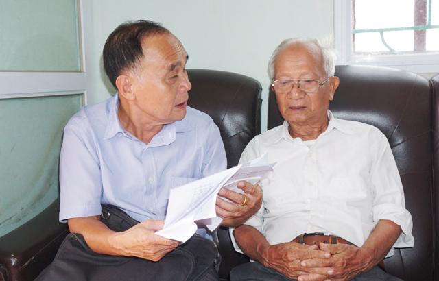 Cụ ông 85 tuổi say mê công tác khuyến học - Ảnh 1.