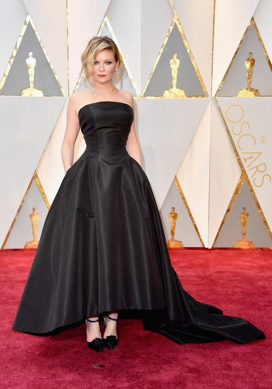 Cuộc chiến trang phục thảm đỏ tại Oscar - Ảnh 9.