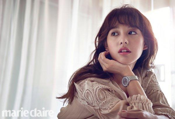 Sao Hậu duệ Mặt trời đọ sắc cùng bạn gái Lee Min Ho - Ảnh 4.