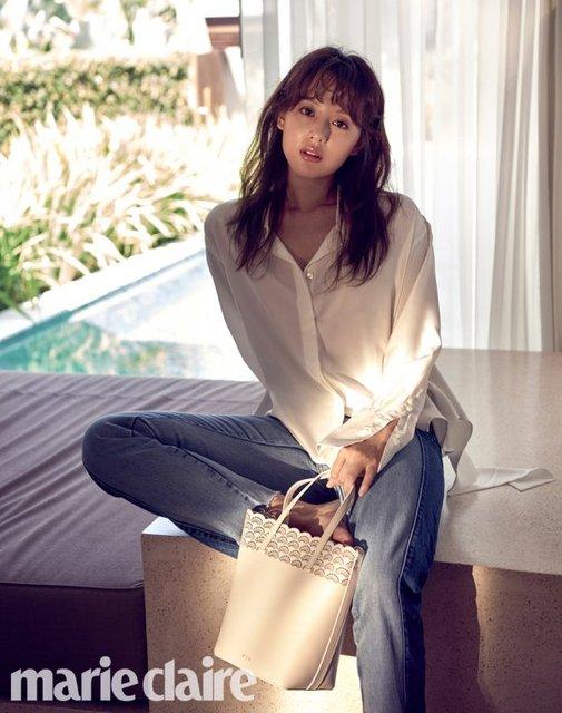 Sao Hậu duệ Mặt trời đọ sắc cùng bạn gái Lee Min Ho - Ảnh 2.