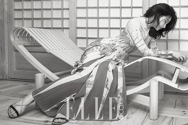 Thổn thức với vẻ đẹp tựa sương mai của Lee Young Ae - Ảnh 1.
