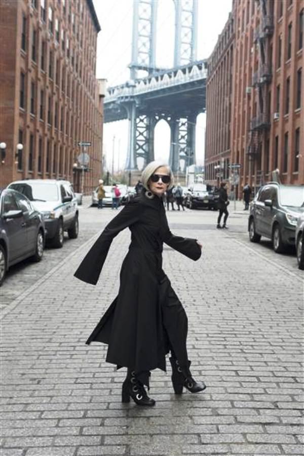 Nữ giáo sư thành người mẫu thời trang ở tuổi 63 - Ảnh 8.