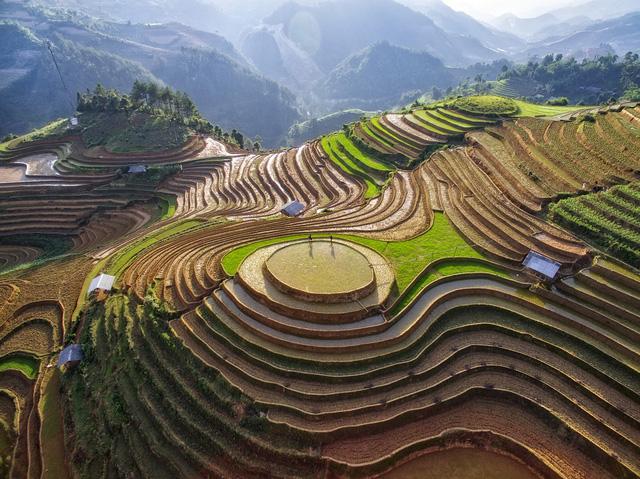 Việt Nam đẹp ngỡ ngàng khi nhìn từ trên cao - Ảnh 12.