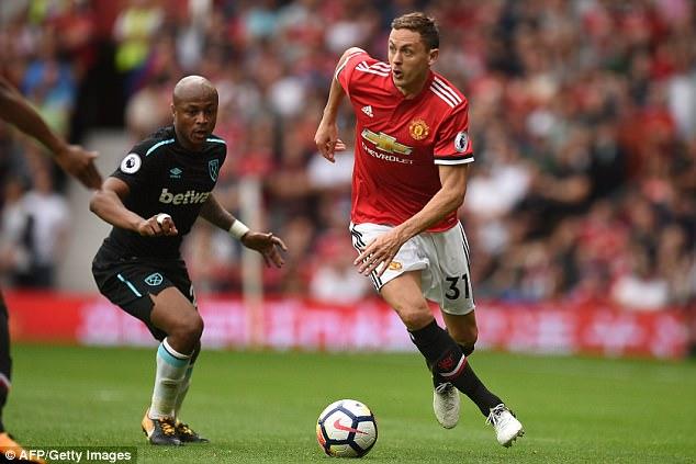 ĐHTB lượt đi Ngoại hạng Anh 2017/18: Thành Manchester áp đảo - Ảnh 4.