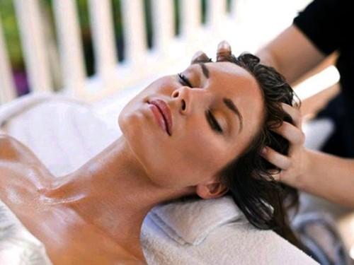 Mẹo giúp da đầu hết khô và nhiều gàu trong mùa đông lạnh - Ảnh 1.