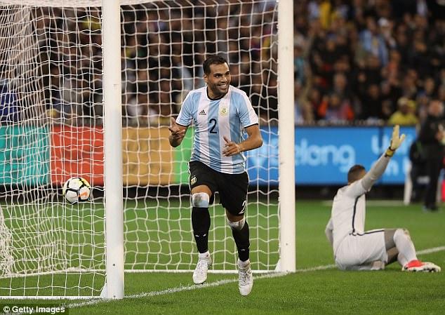 Giao hữu quốc tế: ĐT Brazil 0-1 ĐT Argentina: Màn ra mắt thành công của HLV Jorge Sampaoli - Ảnh 3.