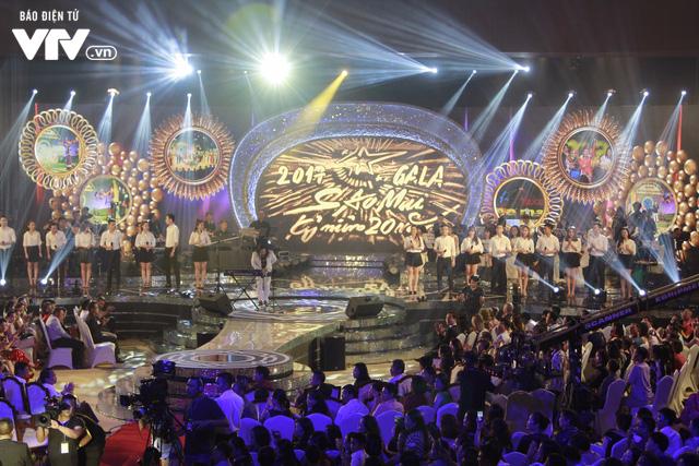 Gala 20 năm Sao Mai - Bữa tiệc âm nhạc đong đầy cảm xúc - Ảnh 7.
