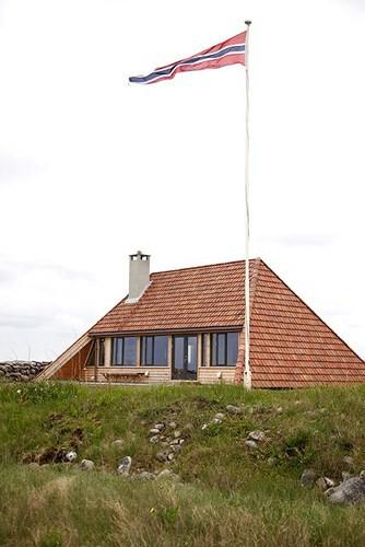 Cải tạo ngôi nhà mái ngói 50 năm tuổi thành nơi sống đầy tiện nghi - Ảnh 12.