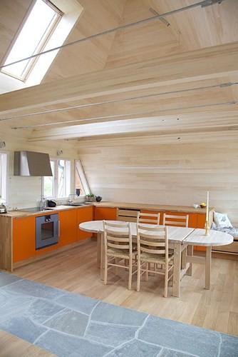 Cải tạo ngôi nhà mái ngói 50 năm tuổi thành nơi sống đầy tiện nghi - Ảnh 6.
