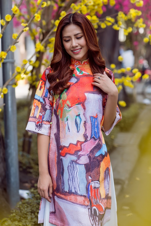Hoa hậu biển Nguyễn Thị Loan duyên dáng khoe sắc bên mai vàng - Ảnh 7.