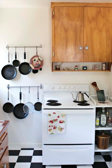 Cặp đôi nghiện mèo biến ngôi nhà hơn 58 m2 thành nơi ở lý tưởng - Ảnh 6.
