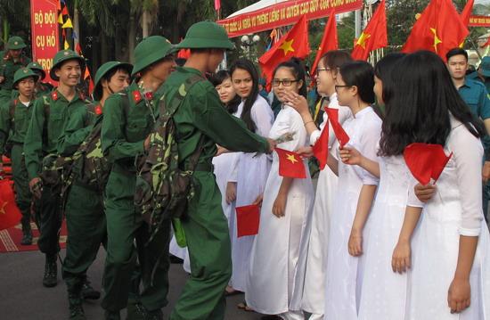Sôi nổi ngày hội tòng quân tại Nam Trung Bộ, Tây Nguyên - Ảnh 2.