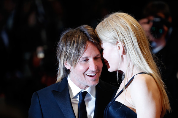 Chồng Nicole Kidman gặp khó khăn khi xem phim vợ đóng - Ảnh 1.