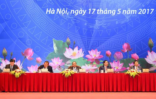 Thủ tướng Chính phủ: Hỗ trợ DN, nói phải đi đôi với làm - Ảnh 1.