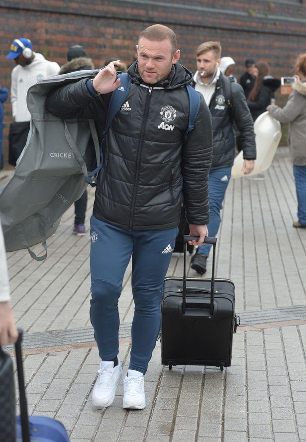 Chung kết EFL Cup: Mata vắng mặt, Rooney sẽ đá chính cho Man Utd? - Ảnh 1.