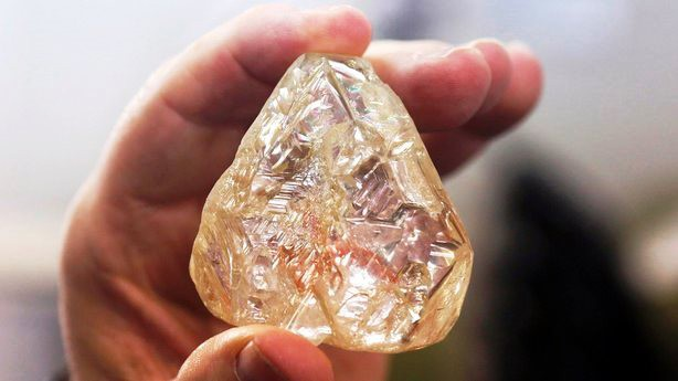 Viên kim cương Hòa bình được bán với giá 6,5 triệu USD - Ảnh 3.