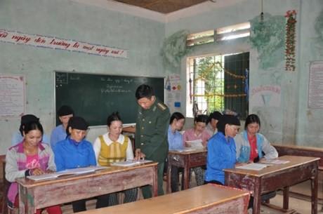 Chuyện về những người thầy giáo mang quân hàm xanh vùng biên - ảnh 3