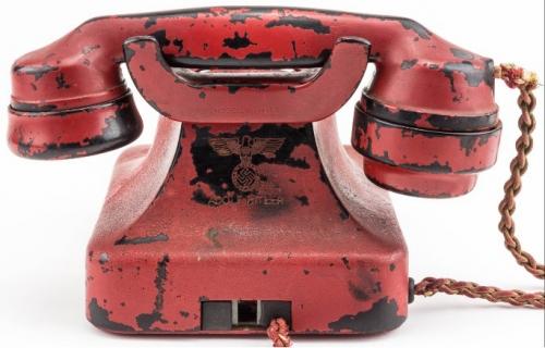 Điện thoại Hitler được bán đấu giá 5,5 tỉ đồng có gì đặc biệt? - Ảnh 1.