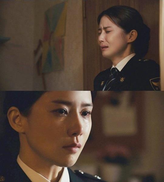 Lee Bo Young vẫn nức nở sau khi quay cảnh khóc - Ảnh 1.