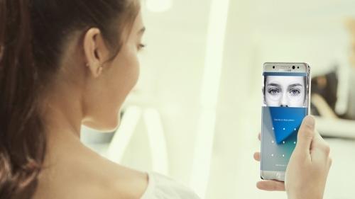 Apple cần trang bị gì cho iPhone 8 trong cuộc chiến với Galaxy S8? - Ảnh 2.