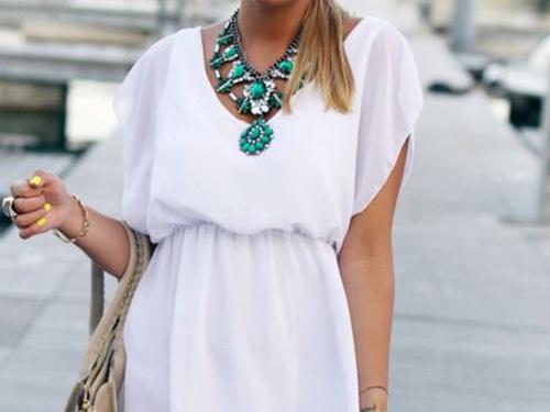 Đừng bao giờ quên, ai cũng nên có trang phục trắng trong tủ áo - Ảnh 1.