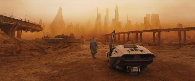 Blade Runner 2049: Sức hấp dẫn chết người từ bộ đôi Harrison Ford và Ryan Gosling - Ảnh 2.