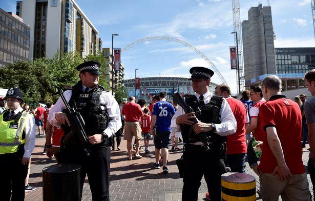 Những hình ảnh đáng nhớ trong ngày đăng quang FA Cup thứ 13 của Arsenal - Ảnh 2.