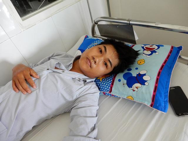 Không có tiền đóng viện phí, ông bố trẻ bị bệnh viêm màng não mủ xin về nhà chết - Ảnh 1.