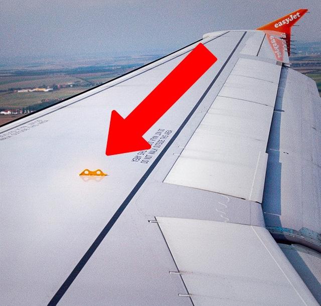 Những thứ hay ho trên máy bay ít hành khách ngờ tới - Ảnh 1.