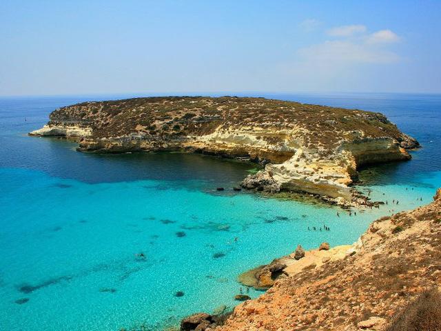 9 bãi biển nước trong nhất thế giới - Ảnh 2.