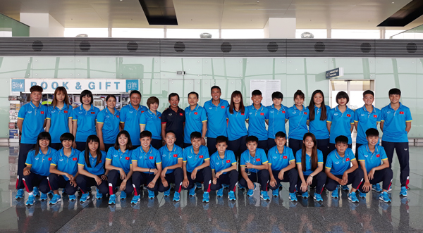ĐT U19 nữ Việt Nam lên đường tham dự VCK U19 nữ châu Á 2017 - Ảnh 1.