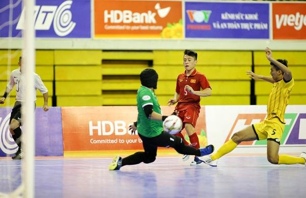 Giải futsal vô địch Đông Nam Á 2017: Thắng đậm ĐT Brunei, ĐT Việt Nam giành quyền vào bán kết - Ảnh 1.