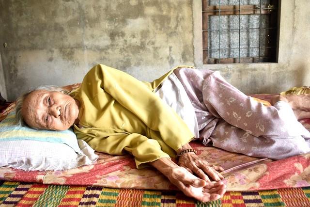 Cảnh sống lay lắt của gia đình có mẹ già bị suy tim, con gái bị ung thư - Ảnh 2.